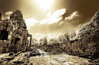 Obraz Ruiny świątyni buddyjskiej w Azji Kambodża - monochromatyczny