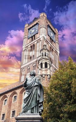Rzeźba Mikołaja Kopernika w Toruniu.
