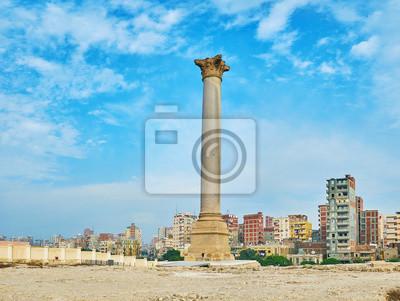 Rzymska kolumna w Aleksandrii w Egipcie