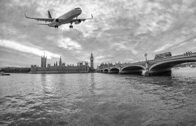 Obraz Samolot nad Londynem