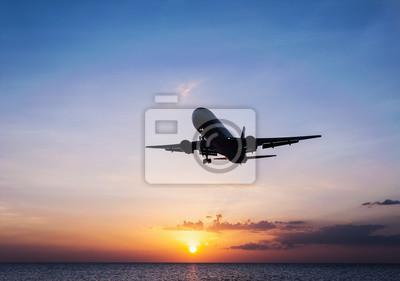 Samolot z nieba słońca i morza