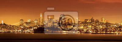 San Francisco Skyline w nocy, USA.