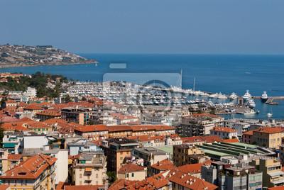 Sanremo miasto i widok na port, Włochy