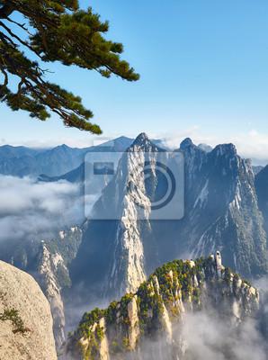 Scenic widok z Mount Hua (Huashan), jeden z najbardziej popularnych celów podróży w Chinach.