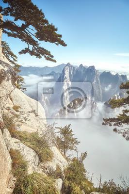 Sceniczny widok od góry Hua, retro stonowany obrazek, Chiny.