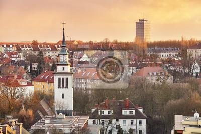 Sceniczny zmierzch nad Szczecińskim miastem, Polska.