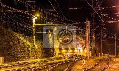 Schattenburg tunelem kolejowym Feldkirch - Austria
