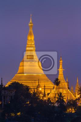 Shwedagon Pagoda w Yangon City, Birmie