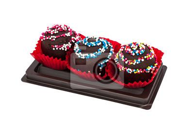 Słodki deser: ciasto czekoladowe isoleted na białym tle