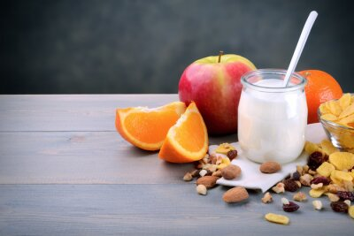 Obraz Śniadanie z jogurtem i owocami