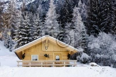 Snowy krajobraz gór Dolomity podczas zimy
