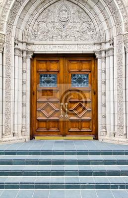 Stairway to Heaven - kroki do drzwi drewnianych Kościoła