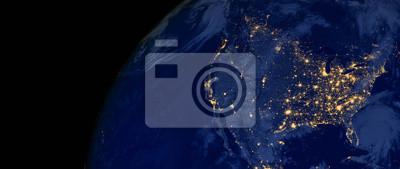 Obraz Stany Zjednoczone Ameryki świecą w nocy, jak to wygląda z kosmosu. Elementy tego obrazu są dostarczane przez NASA