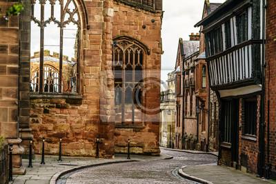 Obraz Stara angielska ulica w Coventry, zniszczona katedra z II wojny światowej