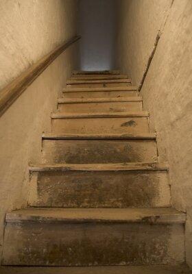stare drewniane schody