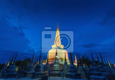 Starożytny Pagoda w świątyni Wat Mahathat, Sceny nocne, Tajlandia