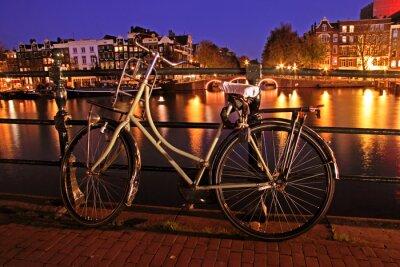Obraz Stary holenderski rower na AMTEL w Amsterdamie w Holandii przez n
