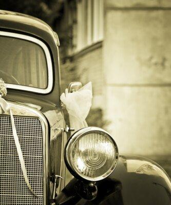Obraz Stary samochód timer z dekoracji ślubnych w sepii
