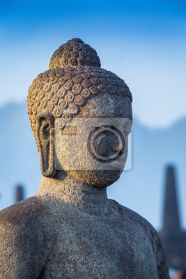 Stoned wizerunek Buddy w Borobudur w Indonezji