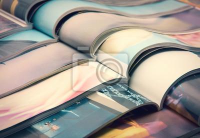 Obraz stos czasopism - kolorowe