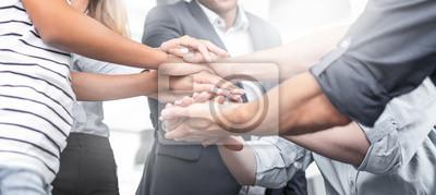 Obraz Stos rąk. Koncepcja jedności i pracy zespołowej.