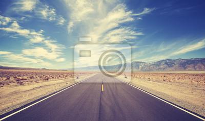 Styl vintage kraju autostrada w USA, koncepcja podróży przygody.
