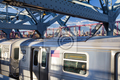 Subway przekroczeniu mostu Williamsburg w Nowym Jorku