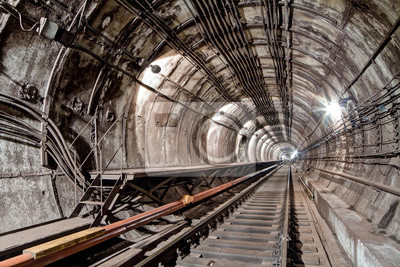 Subway tunnel for metropolitan trains