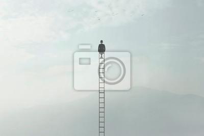 Obraz surrealistyczny obraz człowieka siedzącego na bardzo wysokiej drabinie pośrodku natury