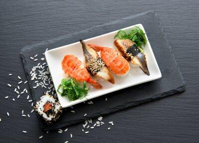 Obraz Sushi z sałatką