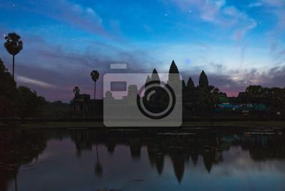 Świątynia Angkor Wat w nocy
