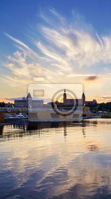 Szczecin marina i Chrobry Embankment o zachodzie słońca, Polska