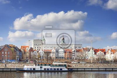 Szczecin Stare Miasto widziane z Odry, Polska