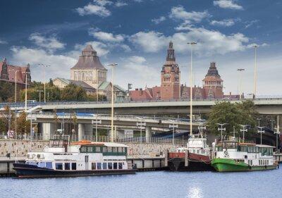 Szczecin (Stettin) Miasto Stare Miasto, widok nad rzeką, Polska.