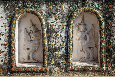 Szczegóły słynnego azjatyckie świątyni Wat Arun kolorowe