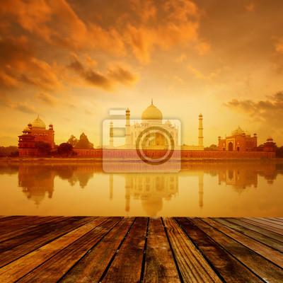 Taj Mahal Agra Indie na wschodzie słońca