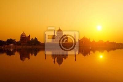 Taj Mahal z Jamuny widokiem na rzekę