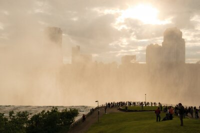 Tłum w Niagara
