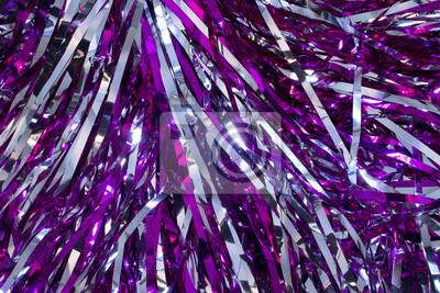 Obraz To jest bliska fotografię Cheerleader srebra i fioletowych poms pom