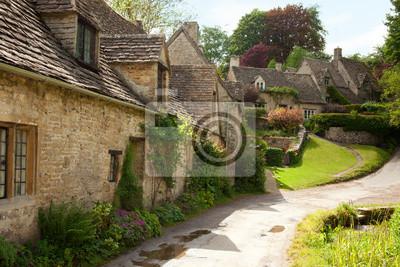Tradycyjne domki Cotswold w Anglii. Bibury, UK.