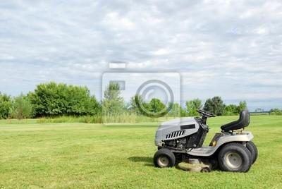 trawnik z kosiarki