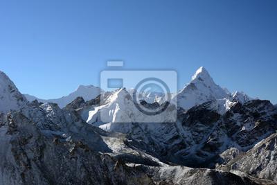 Trekking w górach w Nepalu. Zima plecakiem w Himalajach. Nepal trekking, podróże zapewnić odpowiednie miejsce dla swojej wyprawy trekkingowe nie zapominając w Himalajach.