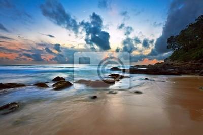 Tropikalna słońca na skałach. Tajlandia
