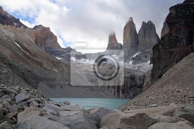 Trzy Wieże w Parku Narodowym Torres del Paine.
