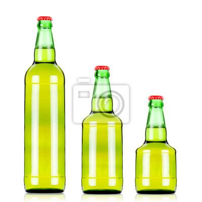 trzy zielone butelki piwa o różnej wielkości . Rozmiar XXL