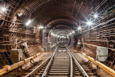 Tunel metra. Kijów, Ukraina. Kijów, Ukraina