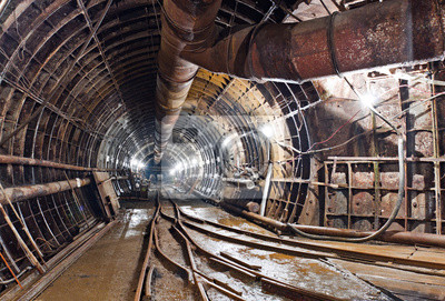 Tunel metra w budowie