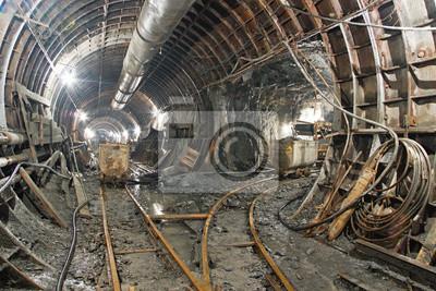 Tunel w budowie