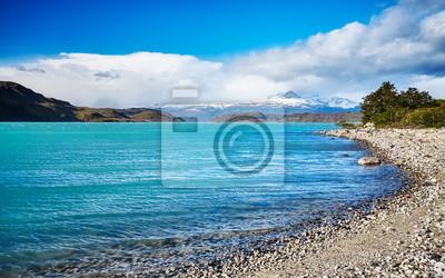 Turkusowy jezioro w Torres Del Paine parku narodowym, Chile.