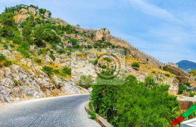 Twierdza na skalistym wzgórzu